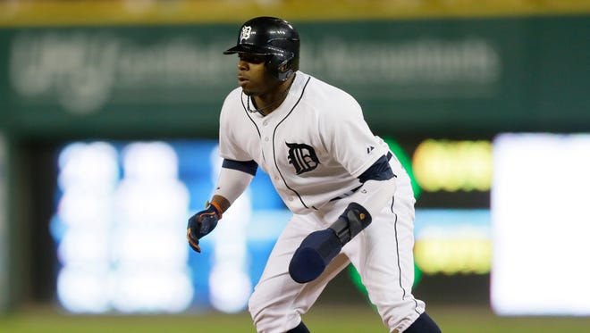 Detroit Tigers' Rajai Davis leads off first base Sept. 13, 2014.