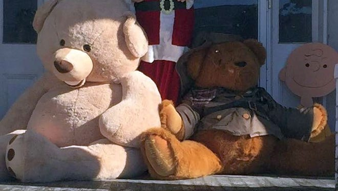 On Christmas Eve,First Lady Stephanie Gillespie reported the theft of two large teddy bears — one of which is 6 feet tall — that were part of the decorations on the front porch of Bill Gillespie's late parents' home next door.