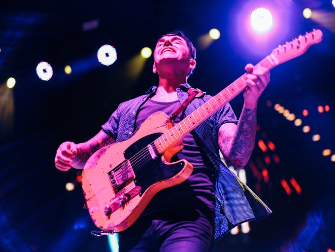 Dashboard Confessional performing at the Taste of Chaos