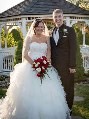 Margaret Yount and Matthew Kaninberg were married on October 10, 2015.