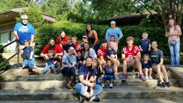 Palmetto Elementary School 3- and 4-year-old kindergartners, teachers and teacher cadets visited the Greenville Zoo recently.