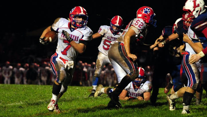 Licking Valley slams Lakewood, 56-7