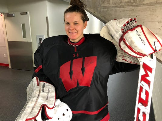 UW hockey goalie Kristen Campbell