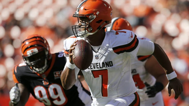 Cleveland Browns quarterback DeShone Kizer has some healthier options to throw to as the Browns head to Cincinnati.