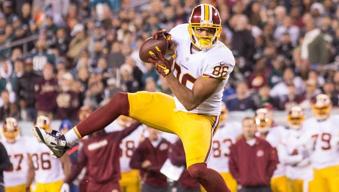 Washington Redskins tight end Jordan Reed (86) makes a reception during the second quarter against the Philadelphia Eagles at Lincoln Financial Field.