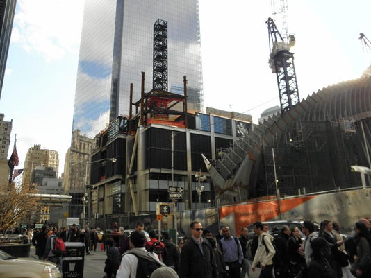 3 WTC stump with 4 WTC and PATH Oculus