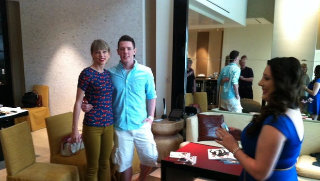 Kevin McGuire meets Taylor Swift before Sunday night?s Academy of County Music awards in Las Vegas.