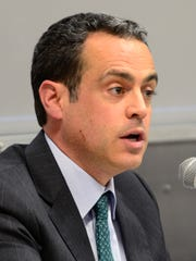 Matt Dunne, a Democratic candidate for governor, pictured at a forum in November 2015.