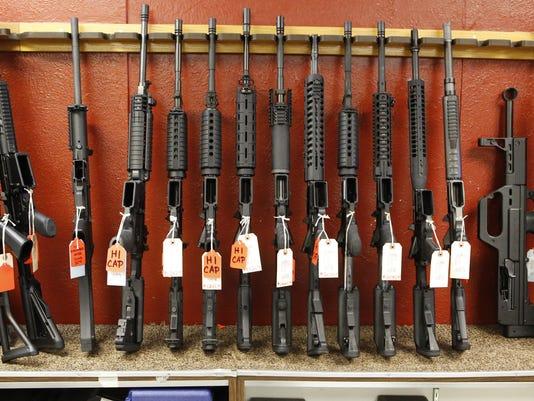 636458316501889193-guns.jpg