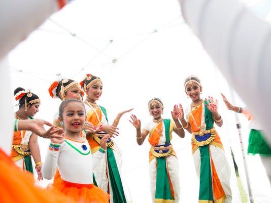 0325_INDIA FEST 01_LEDE