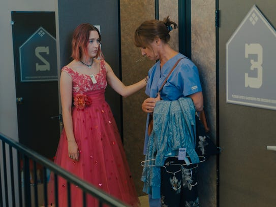 Saoirse Ronan (left) and Laurie Metcalf play a bickering