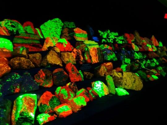 Daily Record Franklinite Mineral Display 2.jpg
