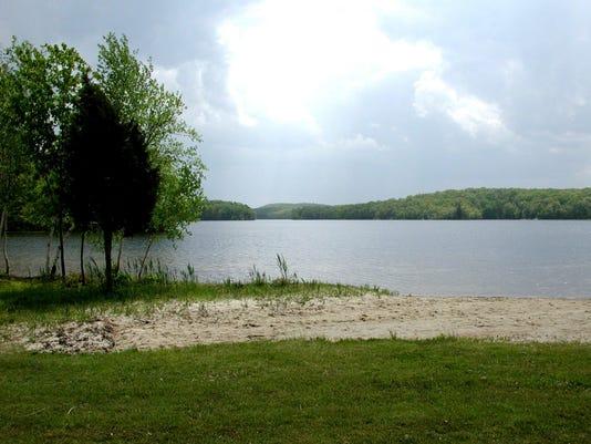 Wawayanda Lake. Credit-New York-New Jersey Trail Conference