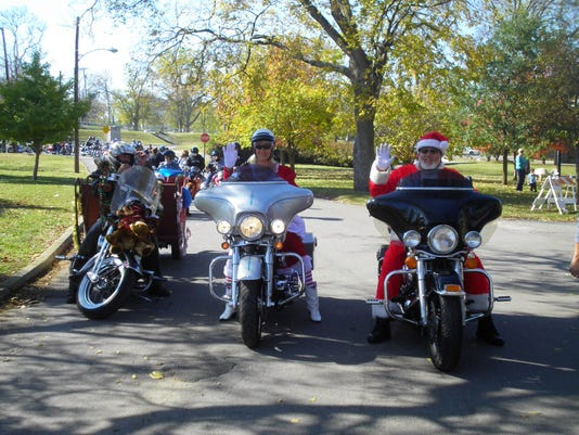 Boswell's Toy Parade Photo-2.jpg