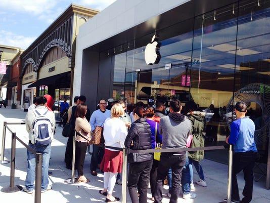 Apple iPhone 6 line in Nanuet