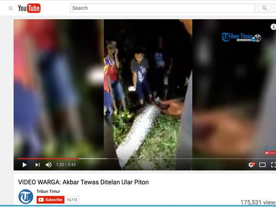Tribun Timur posted the video of people cutting open