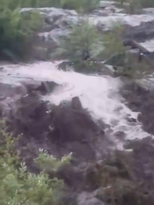 636358247653527613-flash-flood.jpg