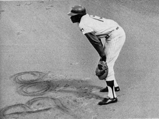 Dick Allen often drew words into the dirt at first