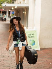 Fort Myers Beach country singer Sheena Brook competed