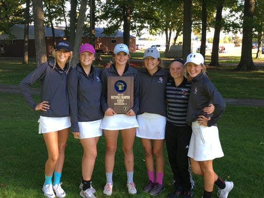 The De Pere girls golf team won the WIAA Division 1