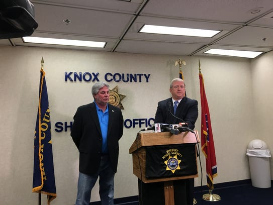 "Knox County Sheriff Jimmy ""J.J."" Jones (left) and Maj."