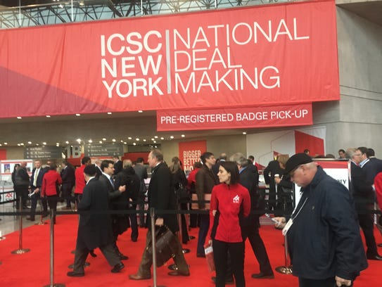 Crowds arrive International Council of Shopping Centers