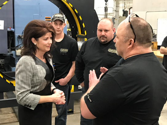Lt. Gov. Rebecca Kleefisch meets with employees of
