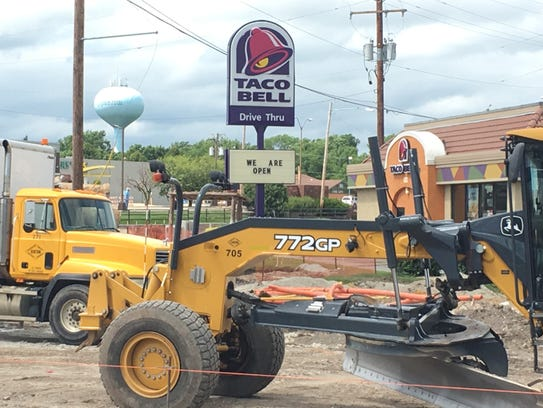 Taco Bell is open near the roundabout construction