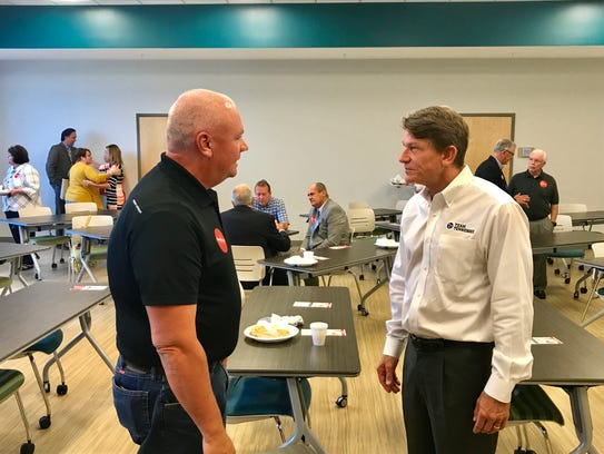 Governor candidate Randy Boyd speaks to a group at