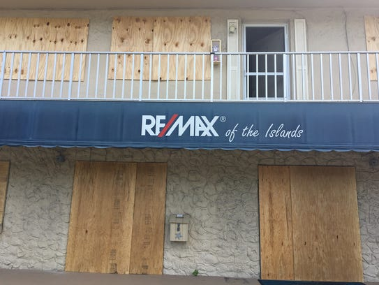 Sanibel businesses are boarding up ahead of Hurricane
