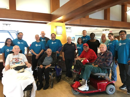 AT&T employees went to the Menlo Park Veterans Home