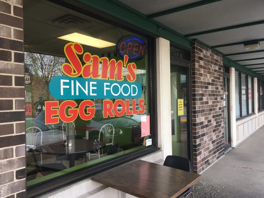 Sam's Fine Food and Egg Rolls is located at 3300 SW