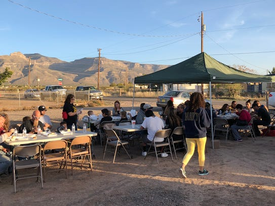 Mountain View Assembly of God fed Thanksgiving meals
