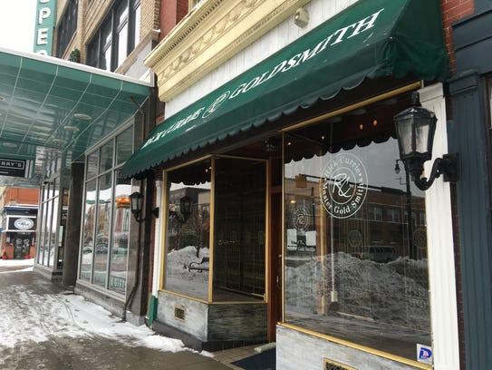 Customers of a downtown Port Huron jeweler are being
