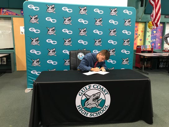 Gulf Coast linebacker Christian Wagner signs his letter