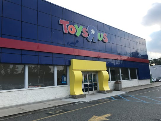 Toys R Us is planning to close roughly stores across the country, or about one-fifth of its U.S. store fleet, in a bid to restructure the company and emerge from bankruptcy protection. The.