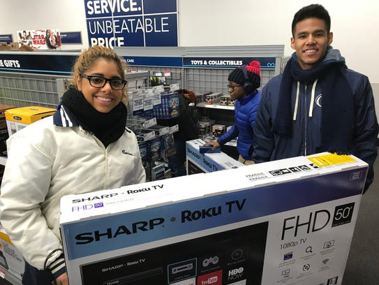 New Jersey Shoppers Take On Black Friday