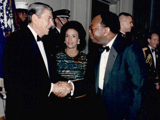 """President Ronald Reagan with William """"Doc"""" Pickard"""