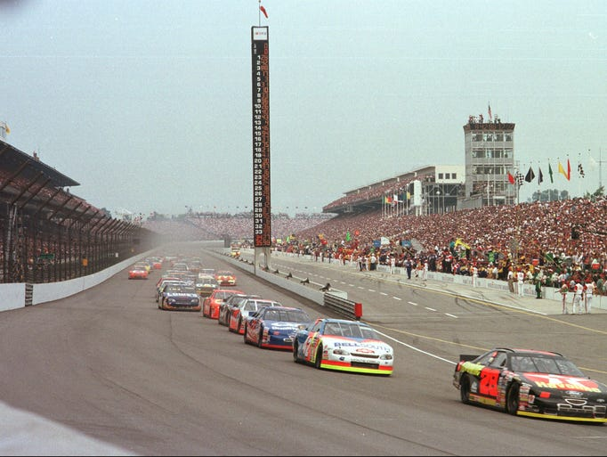 Start of  the 1997 Brickyard 400 August 2, 1997.