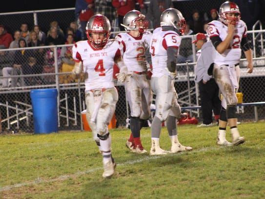 Austin Carter (4) lines out wide in Bethel-Tate's spread