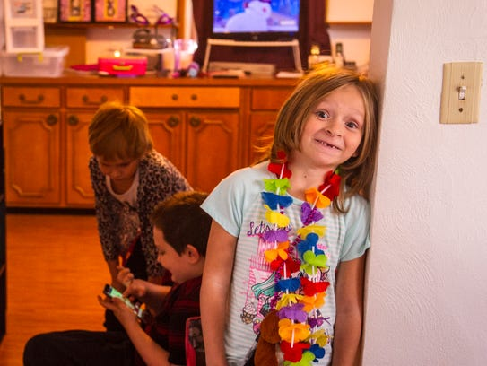 Indianola foster families live in close quarters. Iszie