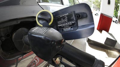 Gas prices fell near 5 cents per gallon in Sioux Falls in the last week.