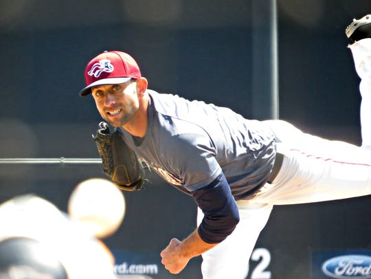 Duane Below works out for the Somerset Patriots this