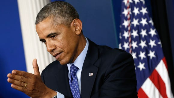 Obama to extend family leave to gay couples