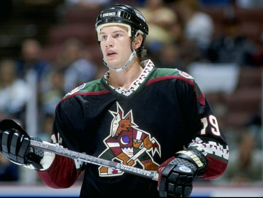 Shane Doan playing with the Phoenix Coyotes.