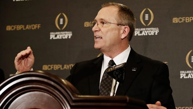 College Football Playoff selection committee chair Jeff Long explains his panel's decision making after their initial Top 25 reveal Tuesday.