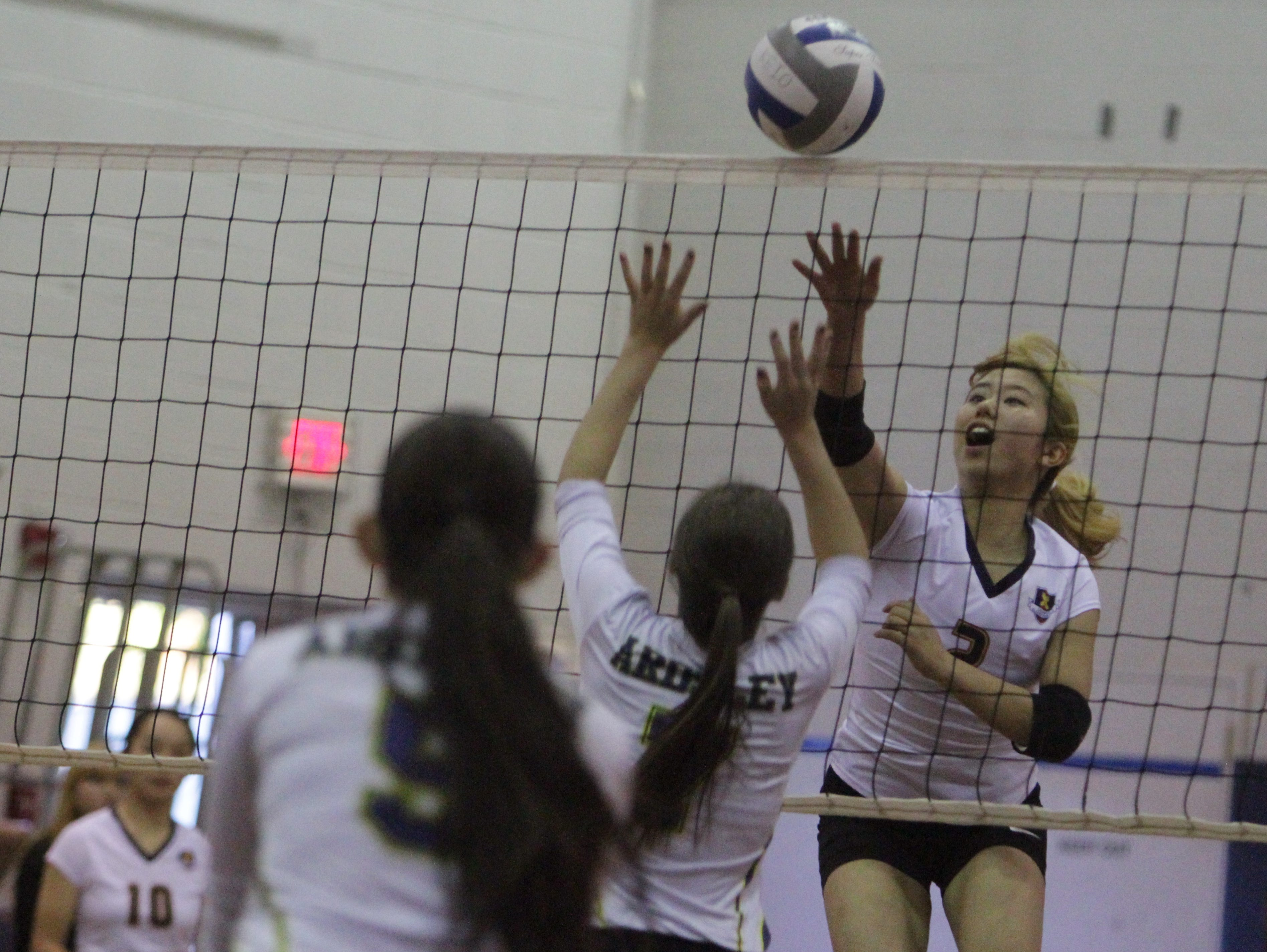 Keio defeated Ardsley in five games during a volleyball match on Oct. 26, 2015.