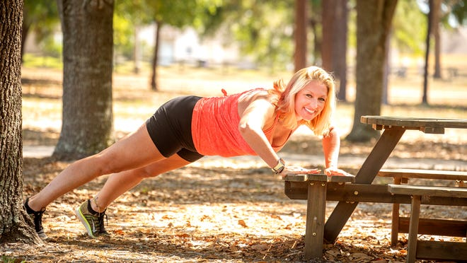 Marlo Alleva shows how to do an elevated push-up.