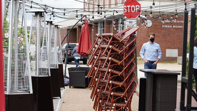 Ristorante Massimo in Portsmouth has installed a line of propane heaters outdoors in an effort to keep their guests warm while eating outside.