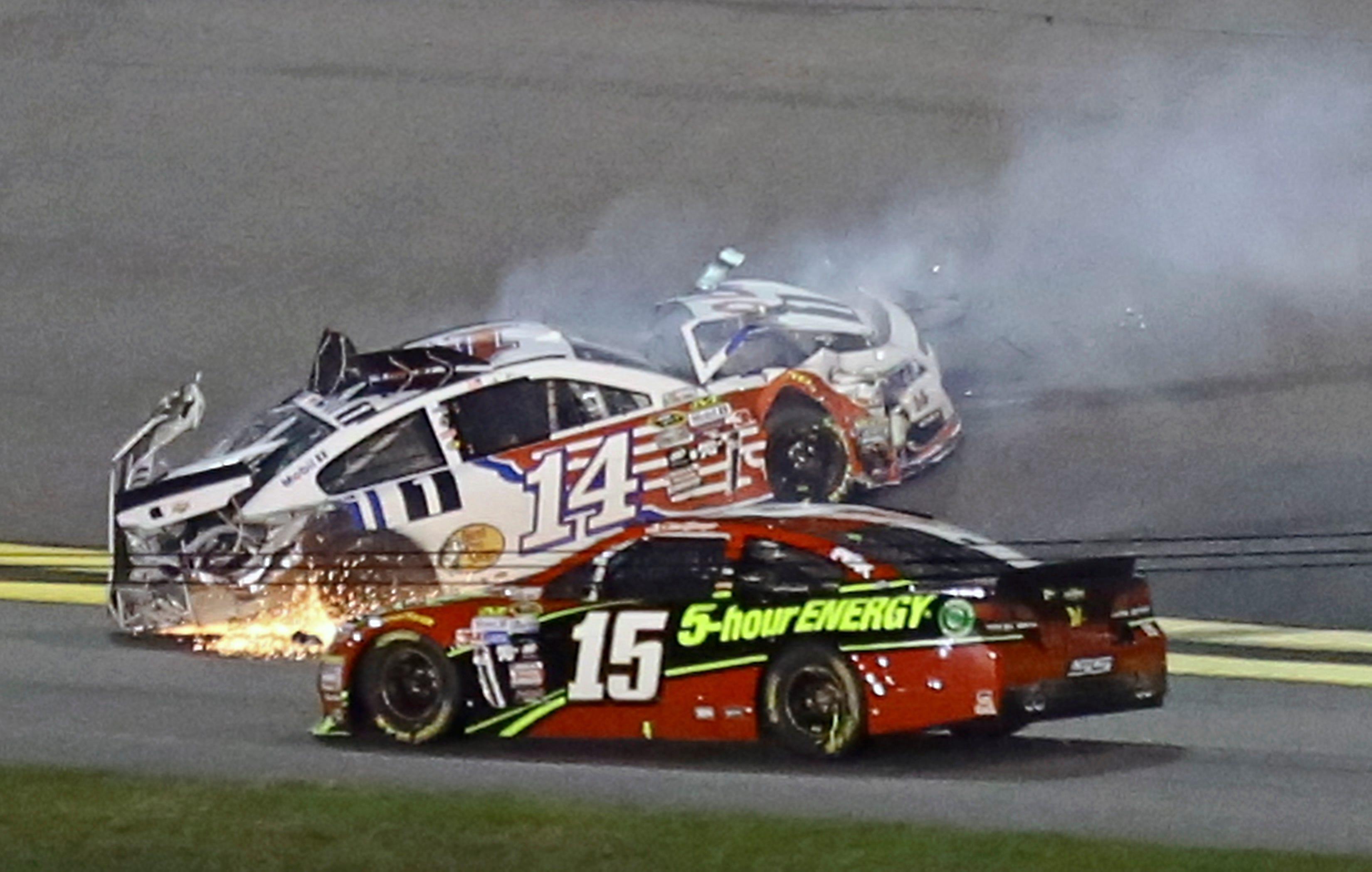 NASCAR drivers dismayed, dumbfounded by Talladega crashfest